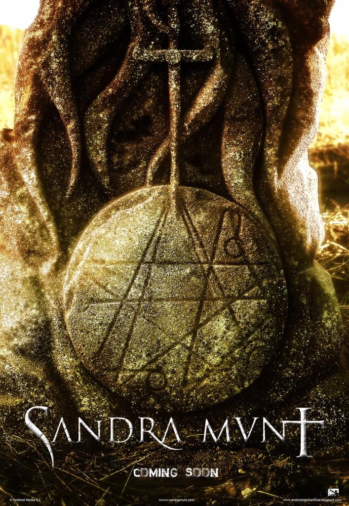 SANDRA MUNT Teaser poster inglés pequeño